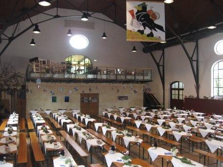 Festhalle Hohenaschau Biertischbestuhlung, © Tourist Info Aschau i.Ch.