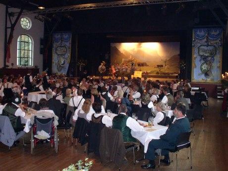Veranstaltung in der Festhalle Hohenaschau, © Tourist Info Aschau i.Ch.