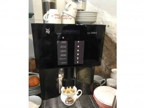 Kaffee im Burgladerl, © H. Reiter
