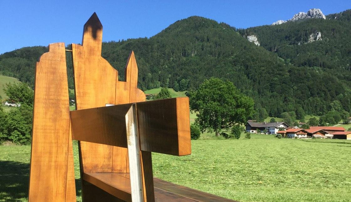 101_Feierabend_Bankerl aufgestellt von der Festhalle Hohenaschau_Familie Schneikart, © Tourist Info Aschau i.Ch.