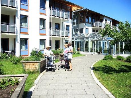 Seniorenheim im Sommer, © Cristina Wimmer
