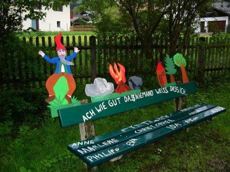 117_Rumpelstilzchenbank aufgestellt vom Kindergarten St. Michael Sachrang, © Tourist Info Aschau i.Ch.