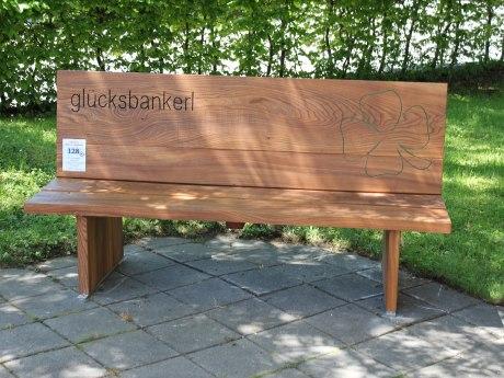 128_Glücksbankerl aufgestellt von Bietmann Prof. Dr. Rolf und Elke, © Tourist Info Aschau i.Ch.
