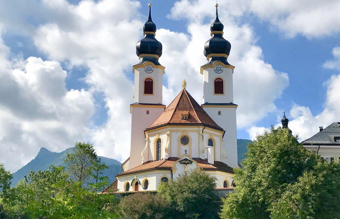"""Kath. Pfarrkirche """"Zur Darstellung des Herrn"""", © Tourist Info Aschau i.Ch."""