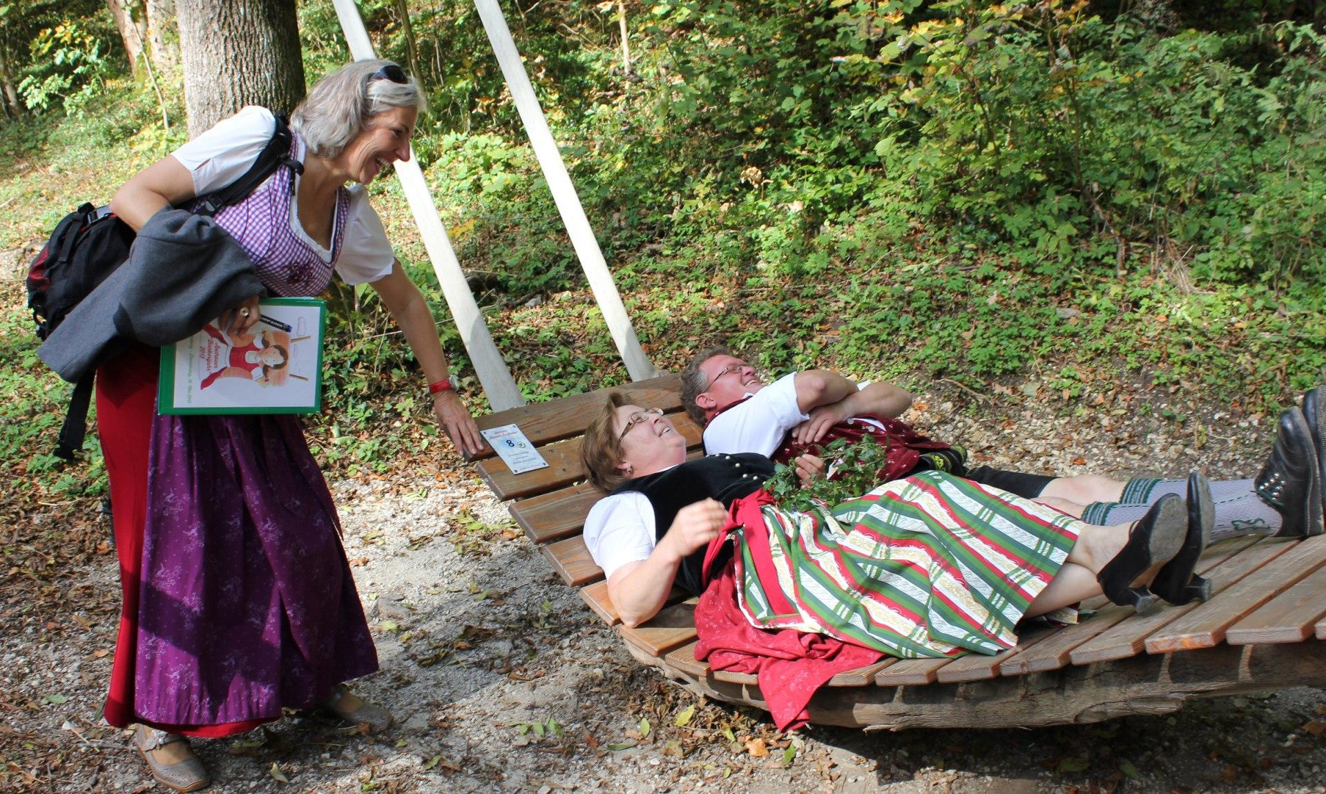 """8_Himmelswiege Station 4 """"Boarisch meditieren"""" auf der Himmelswiege, © Tourist Info Aschau i.Ch."""