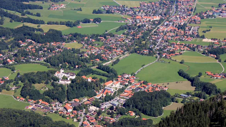 Blick auf Aschau im Chiemgau mit Schloss Hohenaschau, © Tourist Info Aschau
