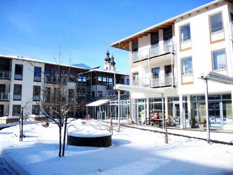 Seniorenheim im Winter, © Cristina Wimmer
